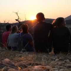Und dann ließen wir das Wochenende ganz gemütlich auf einem Hügel hinter der Schule ausklingen