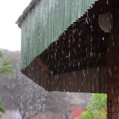 Wenn es hier regnet, dann aber auch so richtig! Die Kinder im Afternoon Care haben sich auf jeden Fall gefreut :)